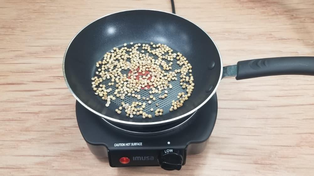 roasting coriander seeds