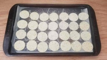 Line sheet pan with nut-thins